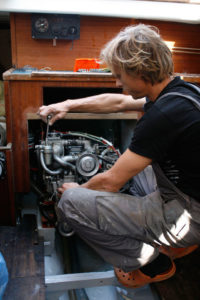 reparación de motores de embarcaciones